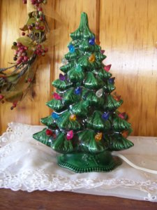 vintage-ceramic-christmas-tree-with-lights-4ropbswm