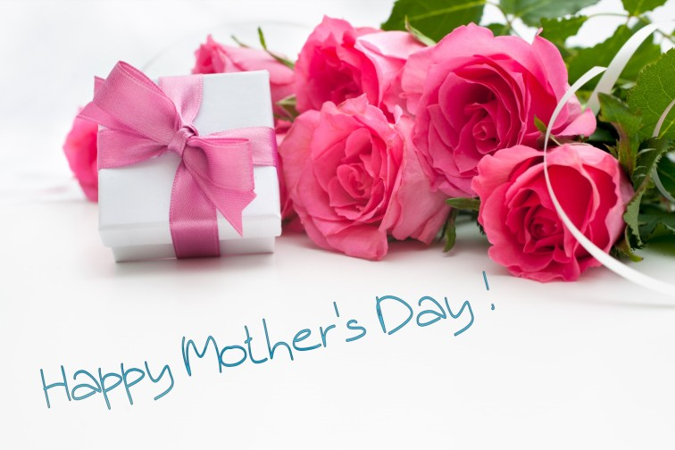 mothers-day-gift-box-with-bouquet-of-roses