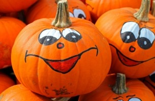 halloween-pumpkins-with-painted-faces